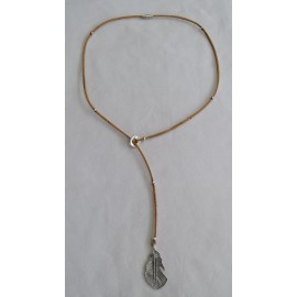 Collier coulissant plume