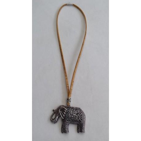 Collier éléphant 2