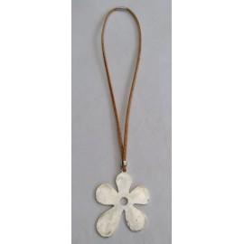 Collier liège fleur pleine